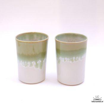 Porseleinen kopje groen wit zonder oor