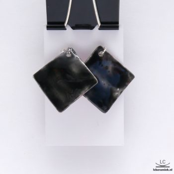 Vierkante porseleinen oorbellen lava