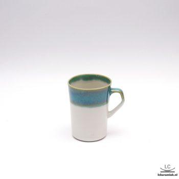 Porseleinen kopje turquoise wit